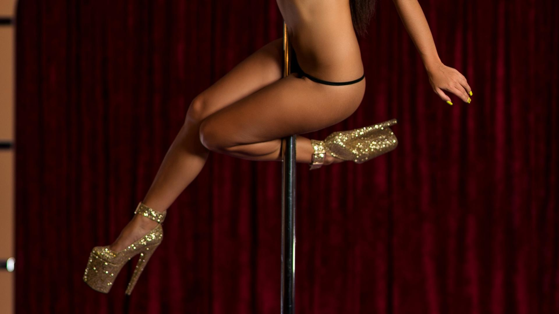 Lap dance on strip show club
